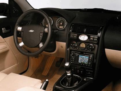 2000 Ford Mondeo sedan 23