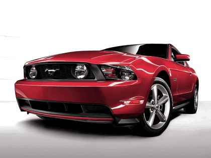 2010 Ford Mustang 5.0 GT 2