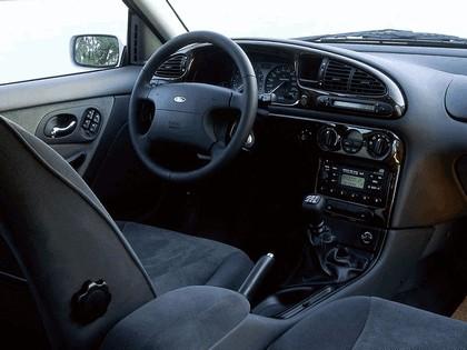 1996 Ford Mondeo sedan 7