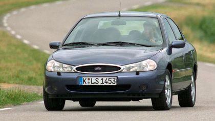 1996 Ford Mondeo sedan 8