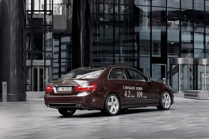 2011 Mercedes-Benz E300 BlueTec Hybrid 2