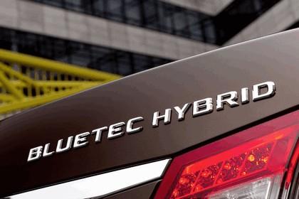 2011 Mercedes-Benz E300 BlueTec Hybrid 8