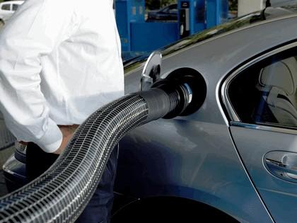 2006 BMW Hydrogen 7 24