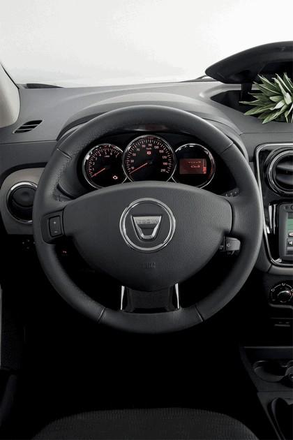 2012 Dacia Lodgy 32