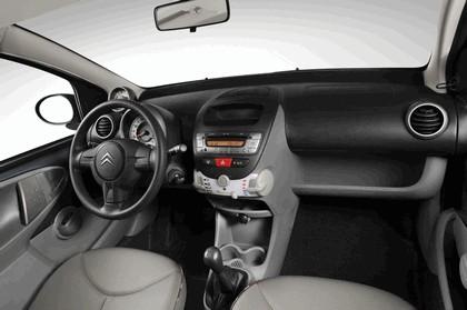 2012 Citroen C1 3-door 34
