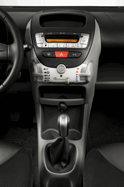 2012 Citroen C1 3-door 46
