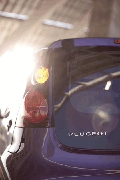 2012 Peugeot 107 5-door 39