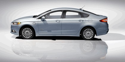 2012 Ford Fusion Energi 8