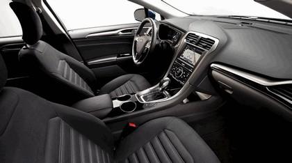 2012 Ford Fusion Hybrid 11
