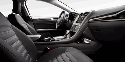 2012 Ford Fusion Hybrid 12