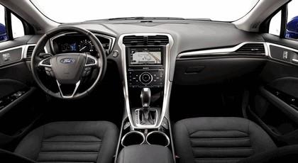 2012 Ford Fusion Hybrid 13
