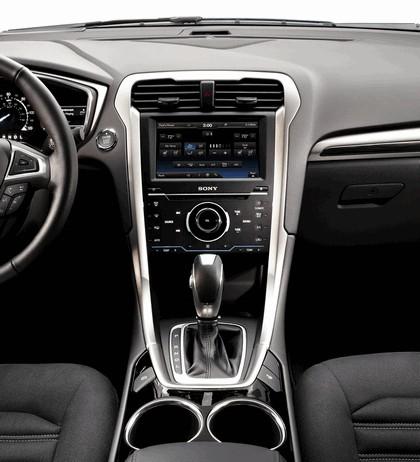 2012 Ford Fusion Hybrid 14