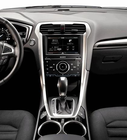 2012 Ford Fusion Hybrid 15