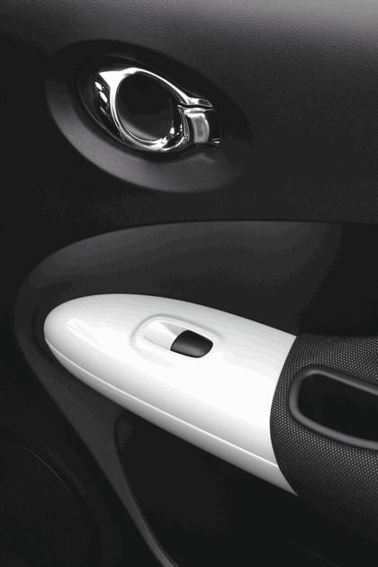 2012 Nissan Juke Shiro 12