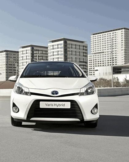 2012 Toyota Yaris Hybrid 5