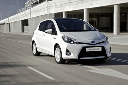 2012 Toyota Yaris Hybrid 8