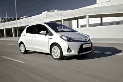 2012 Toyota Yaris Hybrid 9