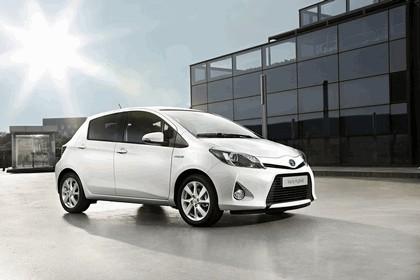 2012 Toyota Yaris Hybrid 10
