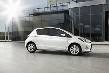 2012 Toyota Yaris Hybrid 11