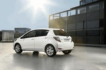 2012 Toyota Yaris Hybrid 12