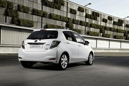2012 Toyota Yaris Hybrid 14