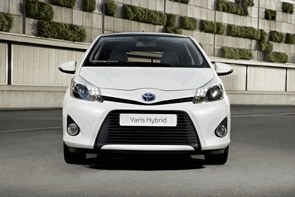 2012 Toyota Yaris Hybrid 15