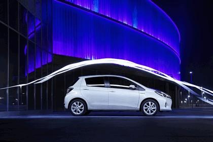 2012 Toyota Yaris Hybrid 21