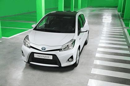2012 Toyota Yaris Hybrid 22
