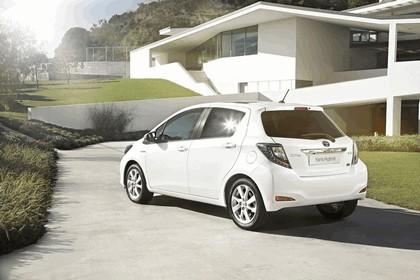 2012 Toyota Yaris Hybrid 27