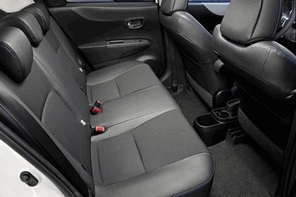 2012 Toyota Yaris Hybrid 31