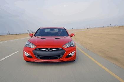 2012 Hyundai Genesis coupé 18