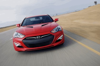 2012 Hyundai Genesis coupé 19