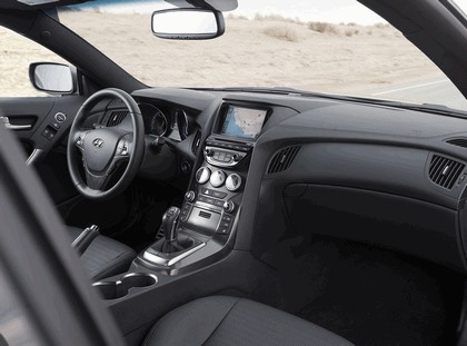 2012 Hyundai Genesis coupé 34