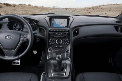 2012 Hyundai Genesis coupé 36