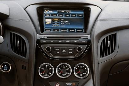2012 Hyundai Genesis coupé 38