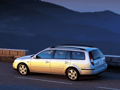 2000 Ford Mondeo station wagon 2