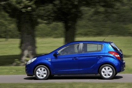 2012 Hyundai i20 BlueDrive - UK version 12