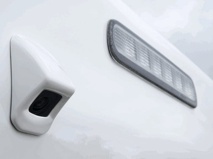 2012 Toyota Hilux - UK version 8
