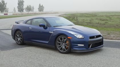 2012 Nissan GT-R ( R35 ) - USA version 5