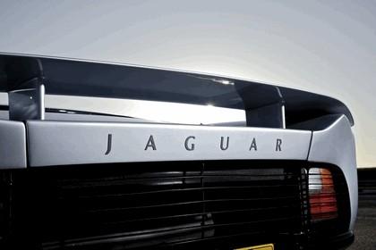 1992 Jaguar XJ220 9
