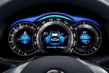 2012 Nissan Invitation concept 13