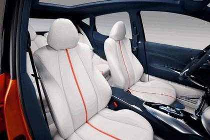 2012 Nissan Invitation concept 15