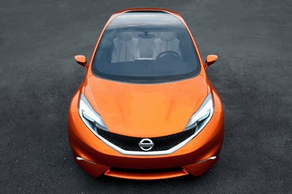2012 Nissan Invitation concept 21