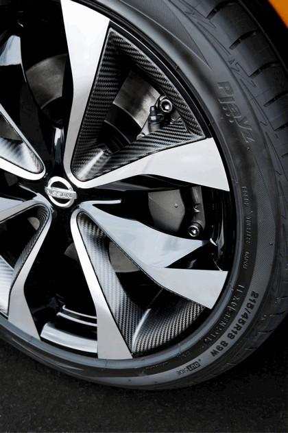 2012 Nissan Invitation concept 24
