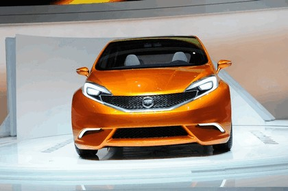 2012 Nissan Invitation concept 35