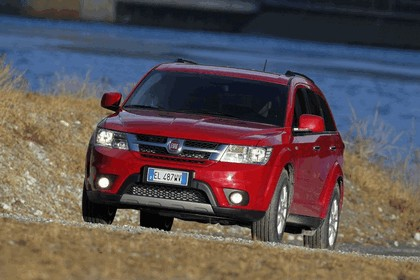 2012 Fiat Freemont AWD 13
