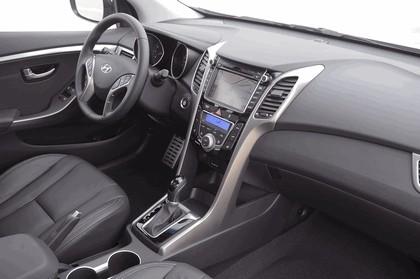 2012 Hyundai Elantra GT 24