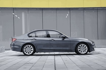 2012 BMW 328i Modern - UK version 11