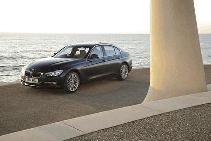 2012 BMW 335i Luxury - UK version 2