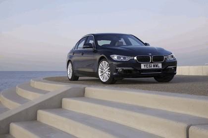 2012 BMW 335i Luxury - UK version 23